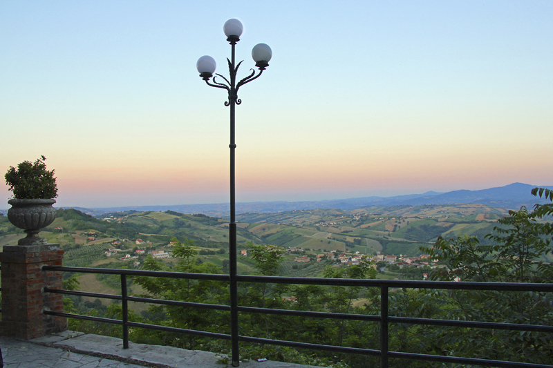 Dusk sets in Guardiagrele