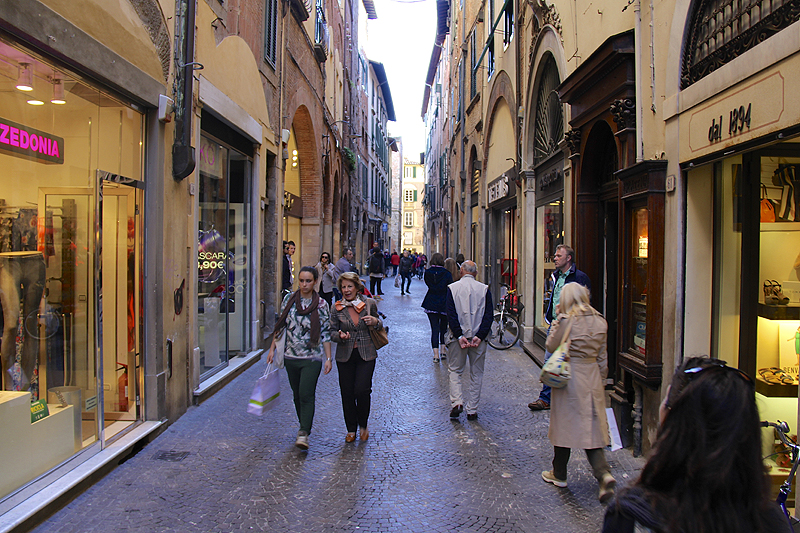 Via Cenami is one of the main shopping streets