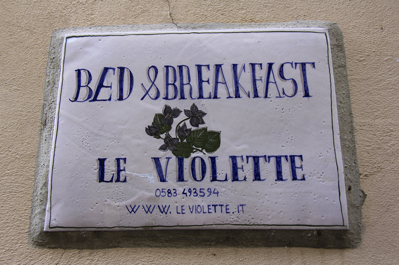 Le Violette Bed & Breakfast